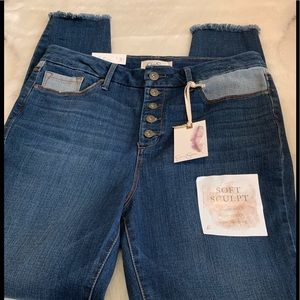 Jessica Simpson High Rise Adored Ankle Jeans. NWT